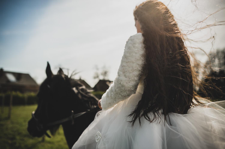 communie familie portret paard fotoshoot