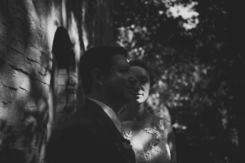 huwelijksfotograaf antwerpen, bruiloft, huwelijkreportage, fotoshoot, zwart wit, dark vaag