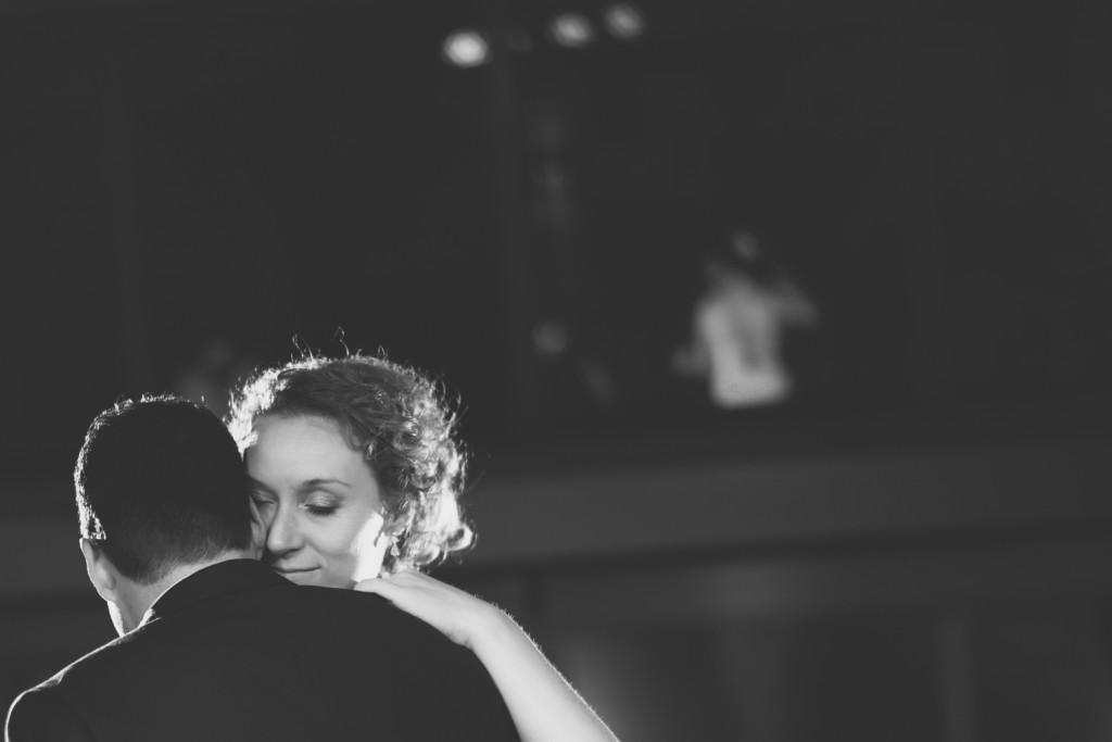huwelijksfotograaf antwerpen, bruiloft, huwelijkreportage, fotoshoot, zwart wit, de ark, openingsdans, rebecca bright
