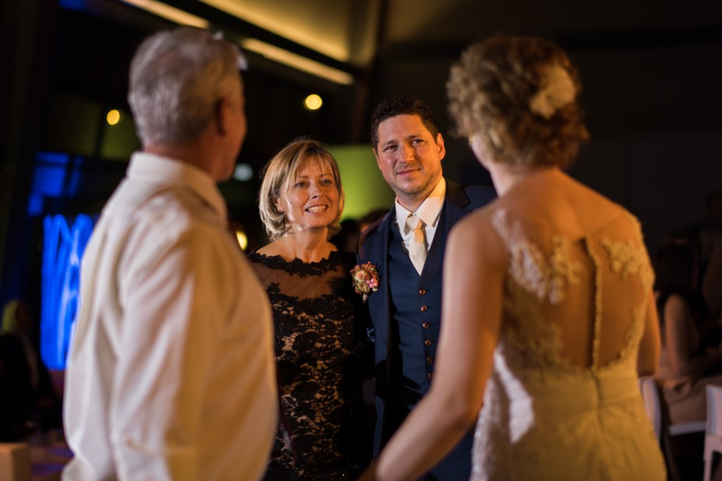 huwelijksfotograaf antwerpen, bruiloft, huwelijkreportage, fotoshoot, de ark, openingsdans, ouders, vader moeder