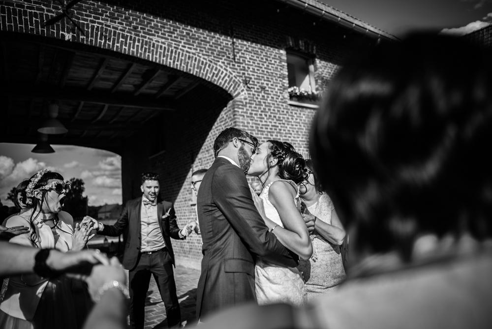 huwelijksfotografie, ceremonie, bruidegom, en moeder, pladutse 3, tarantella, bruidegom, bruid