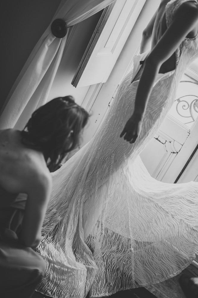Huwelijksfotografie, antwerpen, chateau du deulin, bruid, voorbereiding, trouwjurk