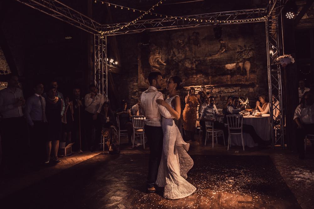 huwelijksfotografie, bruiloft, chateau de deulin, openingsdans, bruidspaar